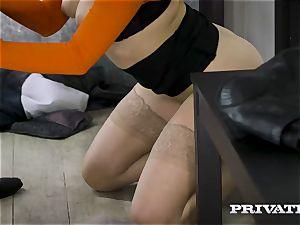 Private.com - Mia Malkova pounds in the cavern