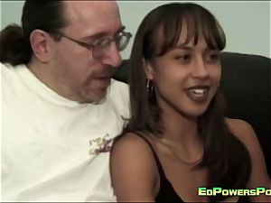 Ed Powers nails the backside of a hottie