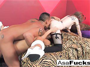Asa humps a Ninja and a Rocker damsel
