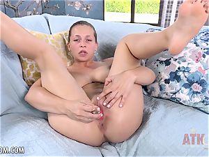 Sloan Harper is so scorching when she ejaculates