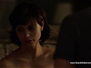 amazing Morena Baccarin looking killer naked on film