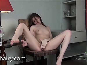 Anna Taylor gives you a trip of her assets