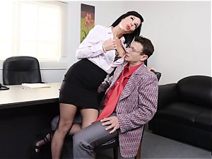 splooging dark haired Veronica Avluv vagina stuffed and fisted