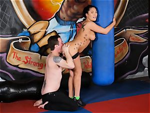 asian beauty London Keyes pulverizes her boy after a workout