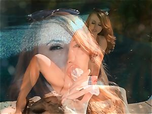 Kendra James dildoing her jummy coochie by the pool
