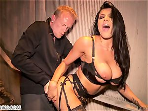 Romi Rain - unbelievable super-fucking-hot first-timer porno in the street