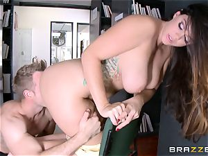 bodacious Alison Tyler getting plumbed by the books