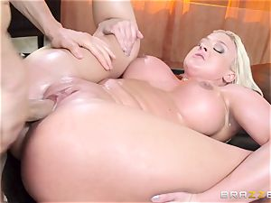 Leya Falcon cheats with her immense dicked massagist
