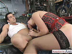 chesty brown-haired Jayden Jaymes fellate a meaty stiffy