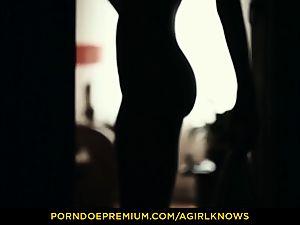 A girl KNOWS - slim Gina Gerson sensual lezzie lovemaking