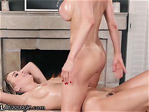 Alexis Fawx makes Natalia Starr jism from Thai massage