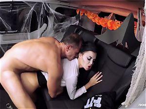 FuckedInTraffic - Jasmine Jae pulverizes in Halloween garment